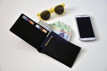 bellroy-passport-wallet-1